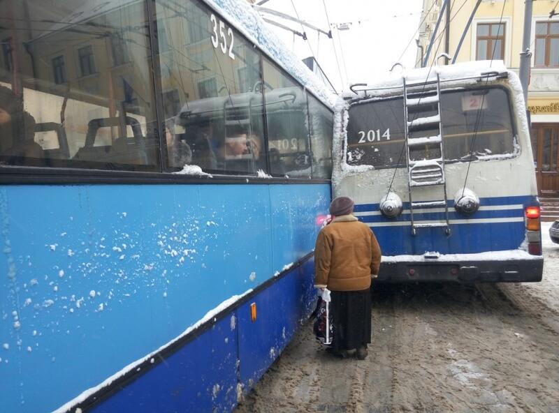 Тролейбуси дтп