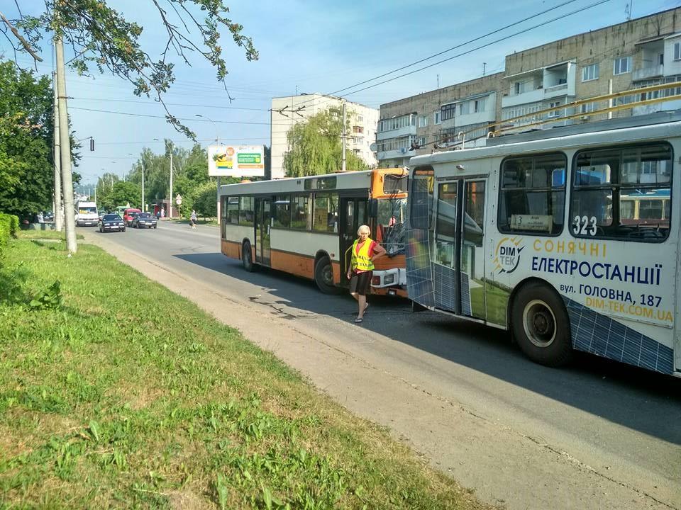 дтп_автобус_тролейбус3