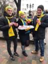 Акцію обміну цигарок на святкові пряники провела чернівецька «Батьківщина молода»